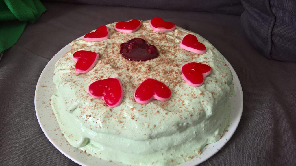 Sebbe hadde bursdag 20. april, så bakte han en Mnt Dew-kake.